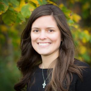 Claire Veltkamp headshot